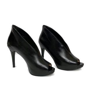 Neiman Marcus Open Toes Heeled Boots Size 6 1/2 M